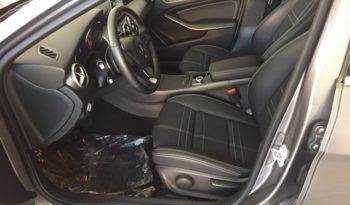 Mercedes-Benz GLA 200D Automatic Sport full