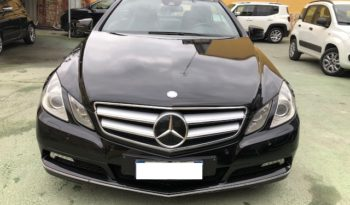 MERCEDES E220 CDI Coupé BlueEFFICIENCY Avantgard TETTO/NAVI/AUTO full